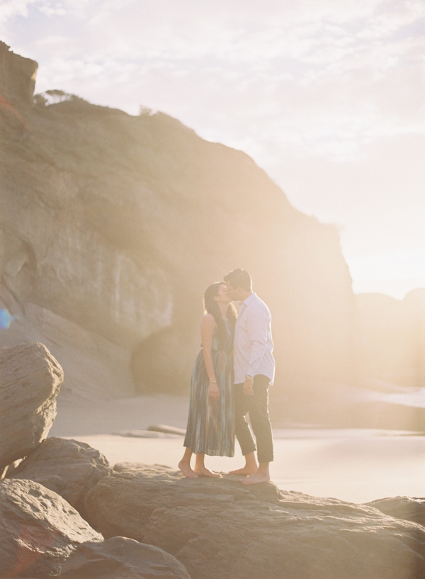 sunny-oregon-engagement-session
