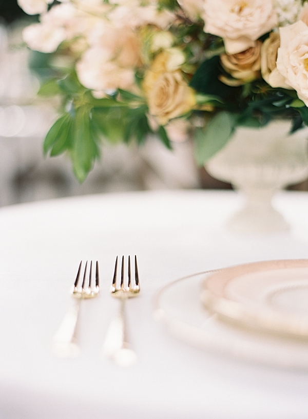 gold-wedding-flatware