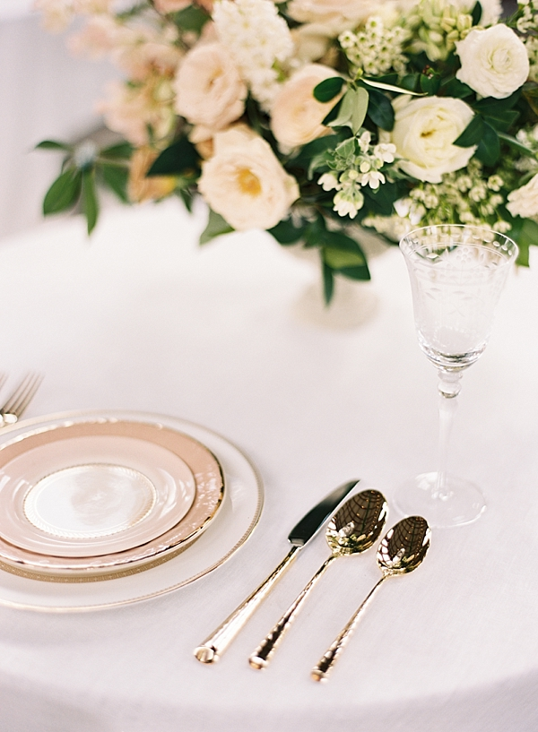 anthropologie-table-setting
