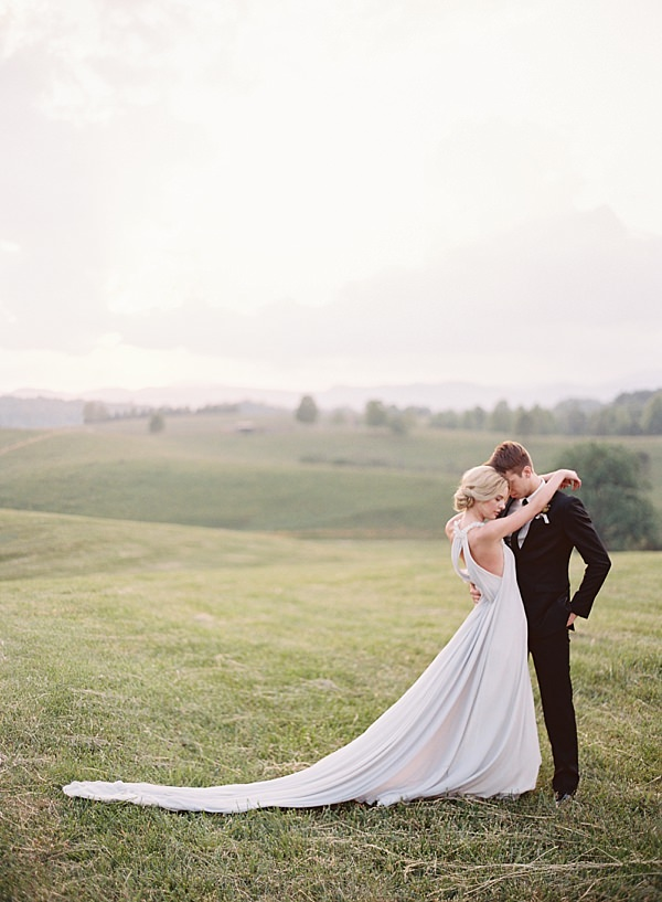 vineyard hills wedding