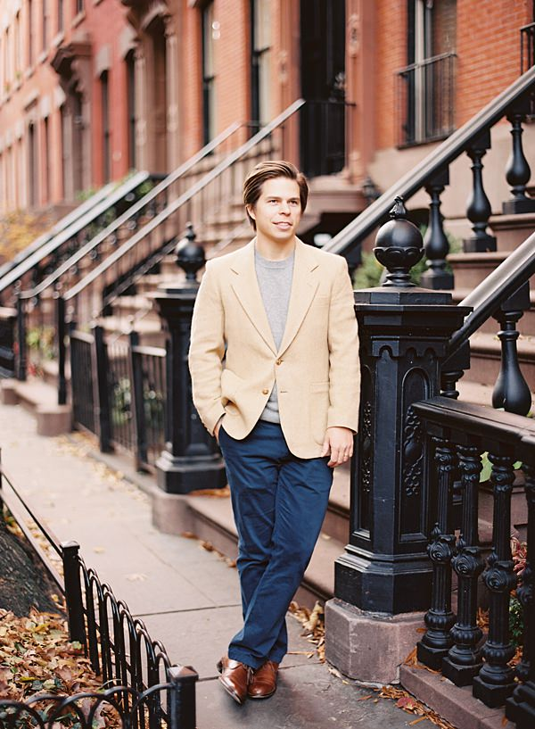 nyc brownstone portrait session
