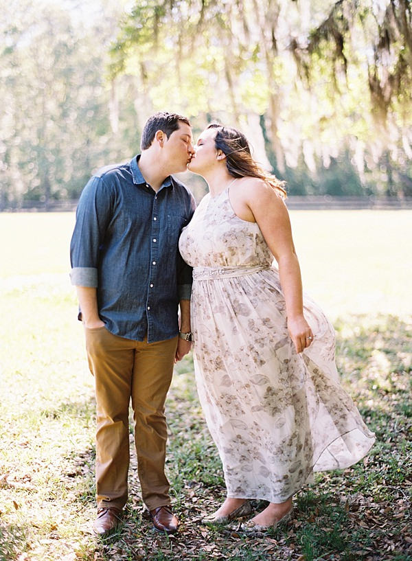 couple under spanish moss