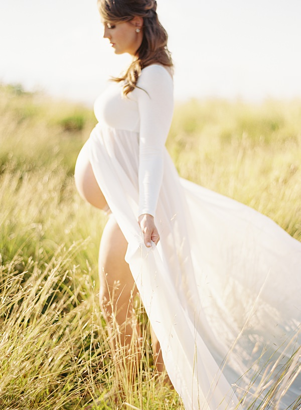 windy maternity session