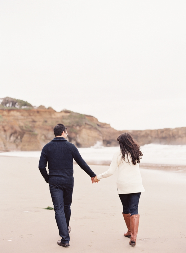 casual-beach-engagement-session