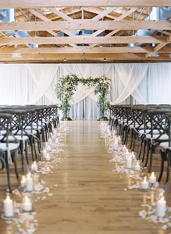 candlelit-ceremony-aisle