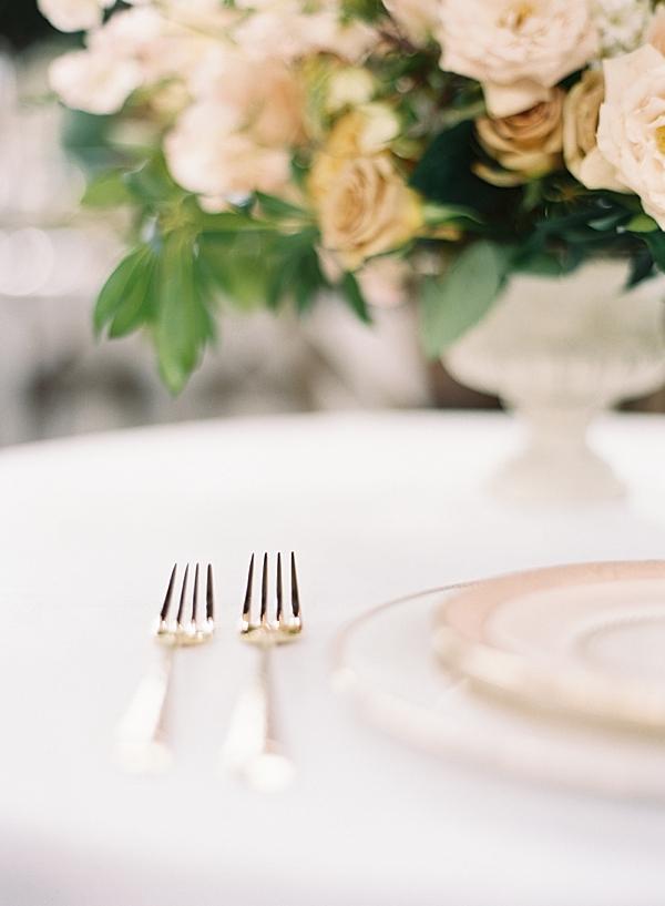 gold-wedding-flatware