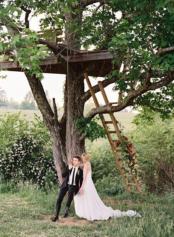 whimsical wedding treehouse