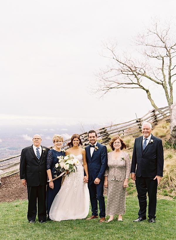 classic family wedding photos