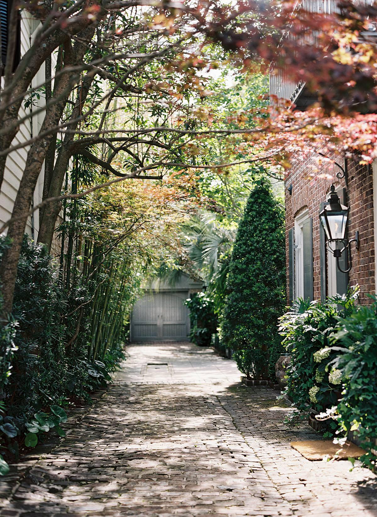 charleston alleyway